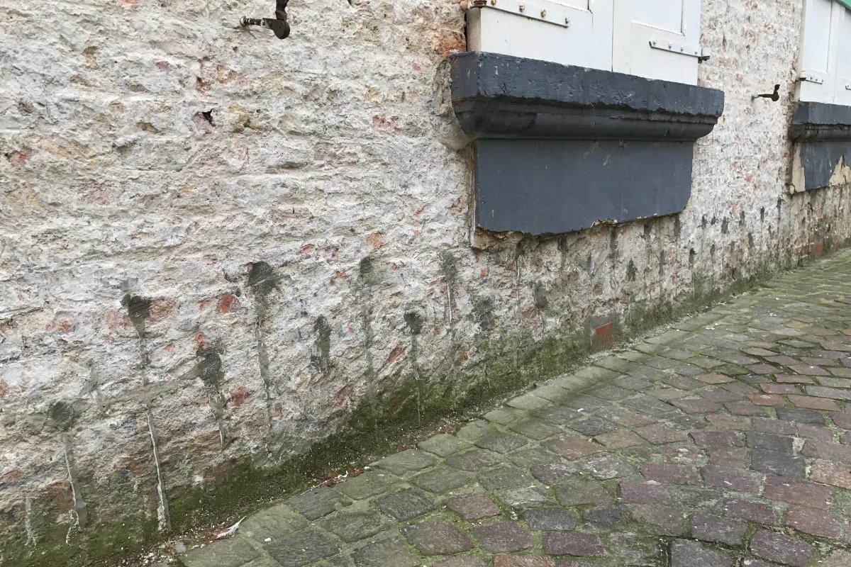 Peindre Mur Pierre Exterieur injection d'un mur humide : infos, conseils et prix indicatifs