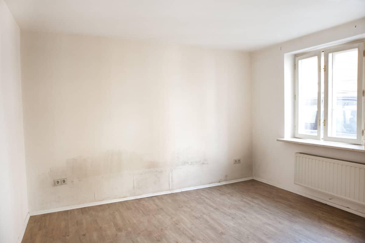 Humidité Dans Une Piece Que Faire humidité dans la chambre à coucher : causes, solutions et